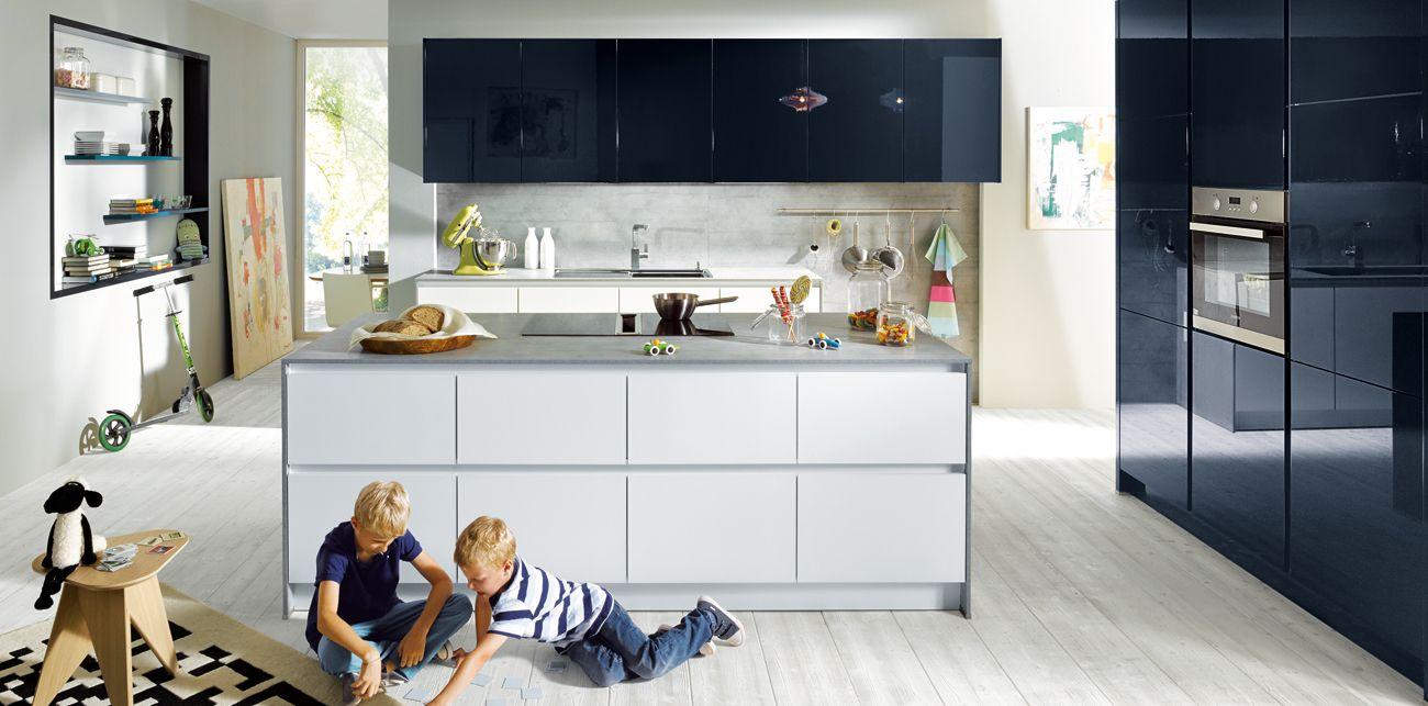 Schüller küchen weiß hochglanz  Kueche-Glasline-matt-Kristallweiss-Hauptaufnahme-Z.jpg (1300×643 ...