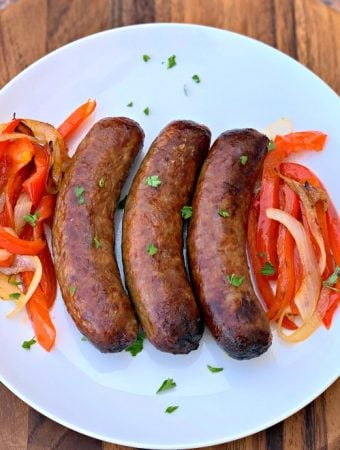 Quick and Easy Air Fryer Sausage + {VIDEO} in 2020 Würstchen