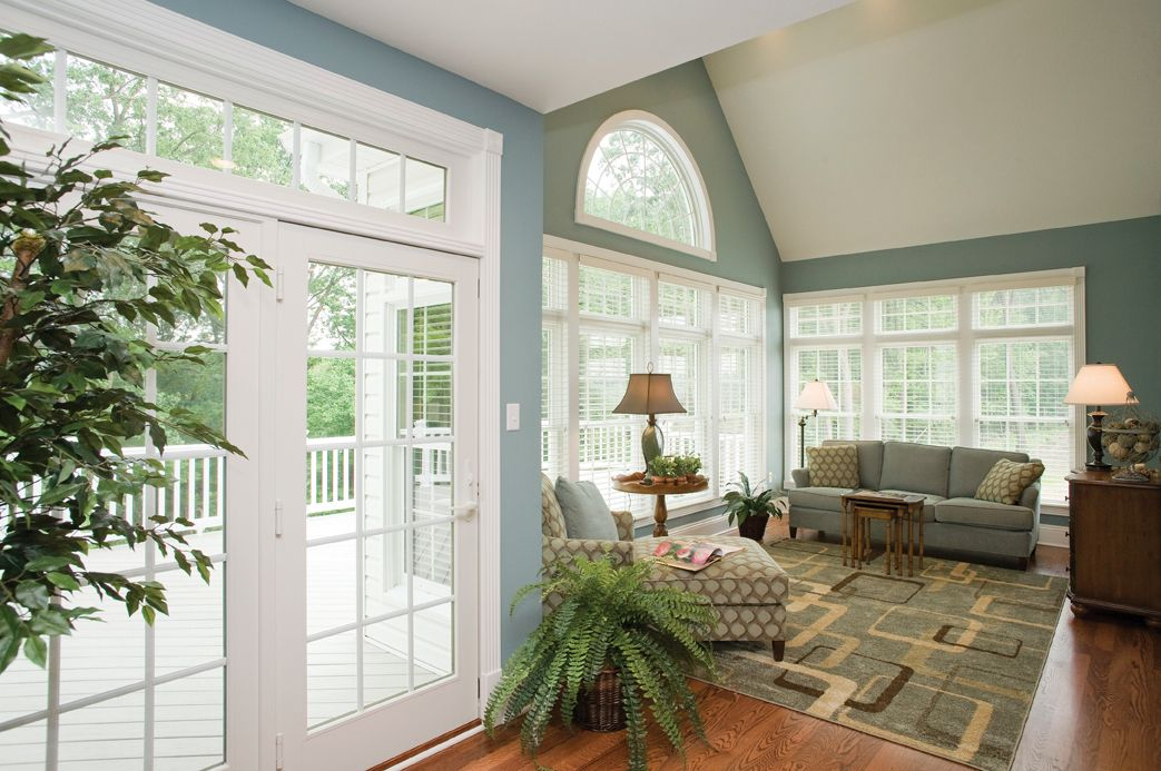 Spacious sunroom off of the kitchen - perfect if you love sunlight!