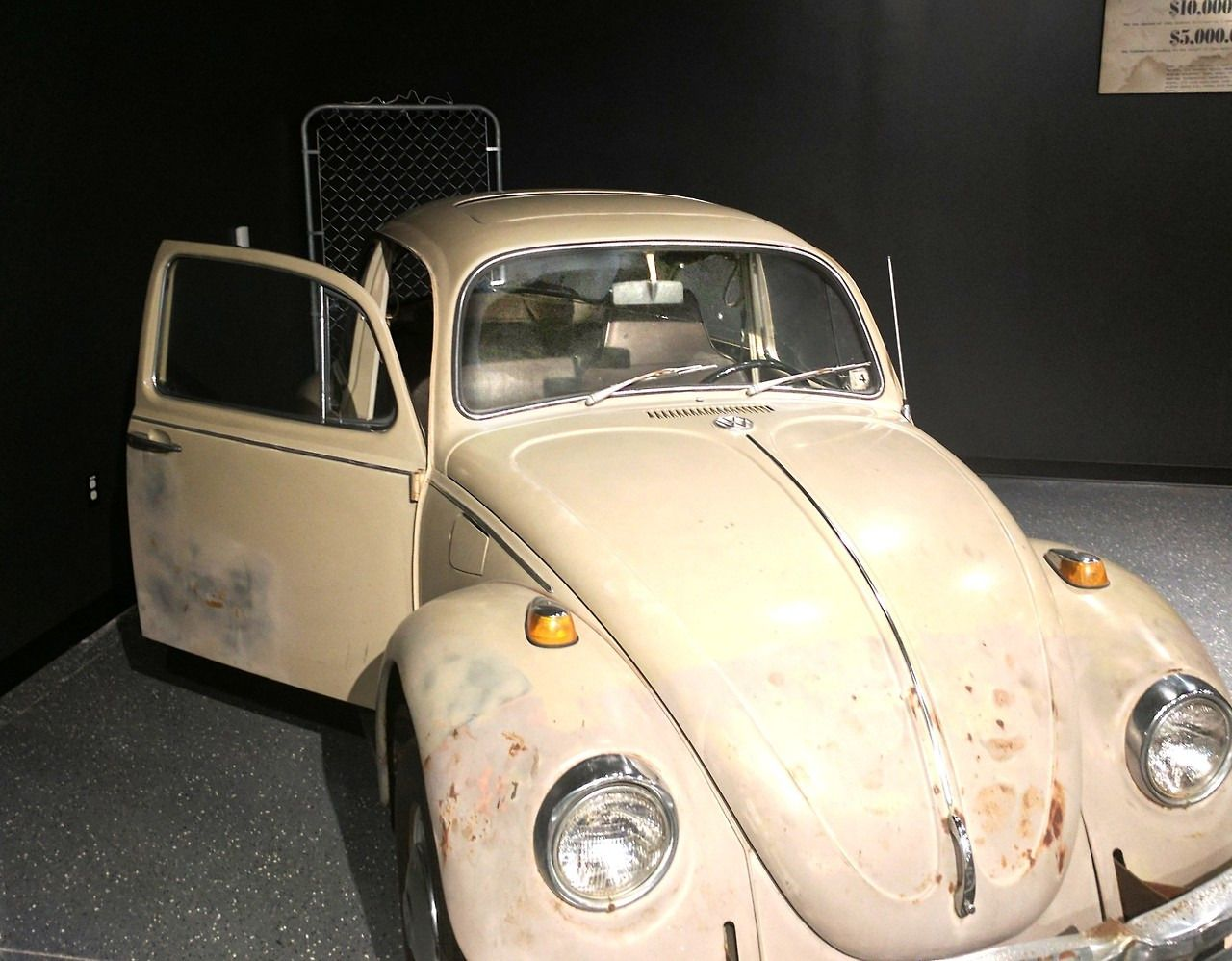 twunnythree ted bundy s 1968 volkswagen beetle located at alcatraz east in pigeon forge tn. Black Bedroom Furniture Sets. Home Design Ideas