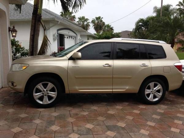 United Car Exchange Toyota Highlander Body Style Colorful Interiors