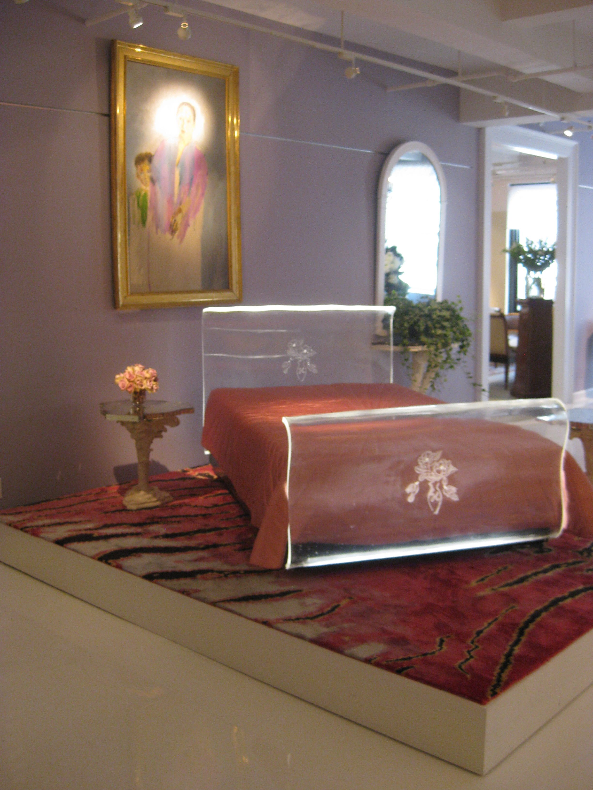 Helena Rubinstein's lucite bed 1935 Prigent's collection. Interesting color  combination.