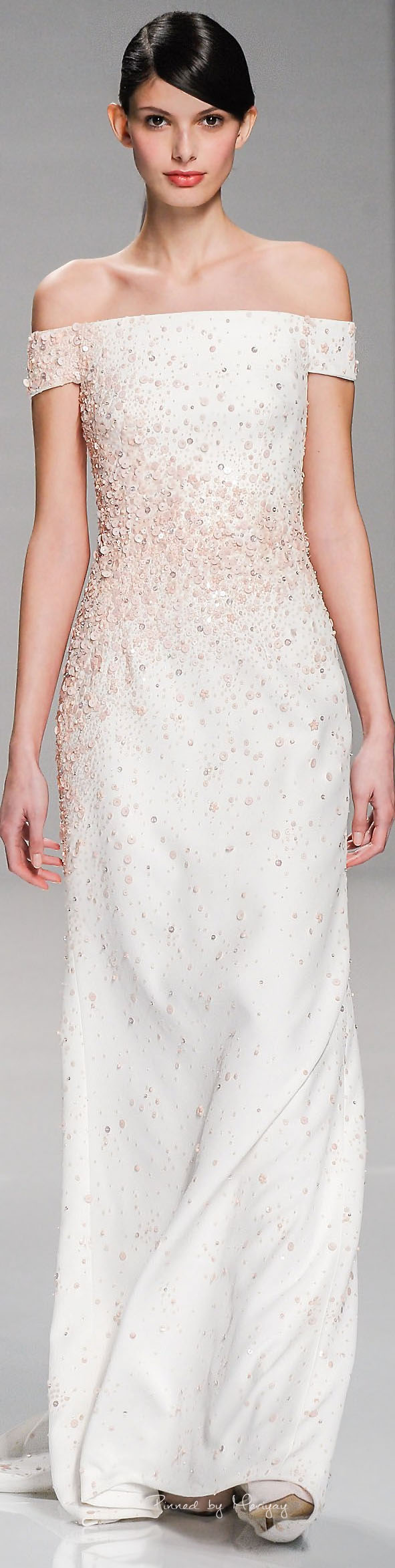 Slick and Modern and great for those brides less endowed. Ron. Georges Hobeika Spring-summer 2015 - Couture.