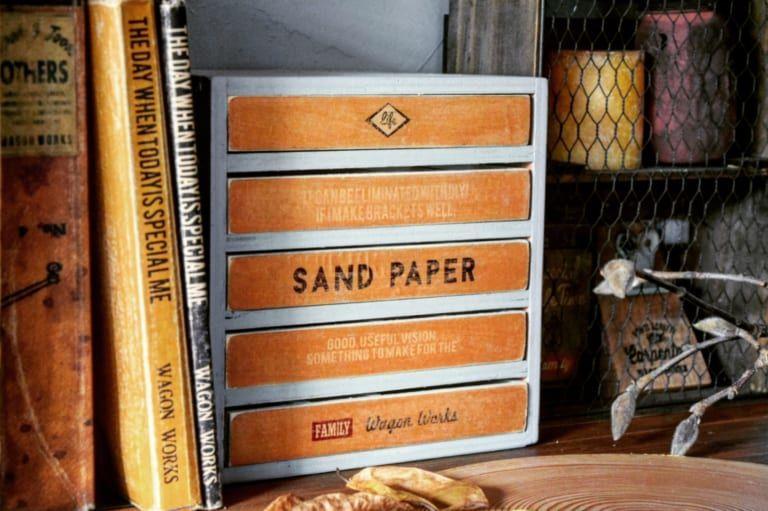100均の木箱を使ってアクセサリー収納棚をDIY!一技プラスでデザイン性アップに!