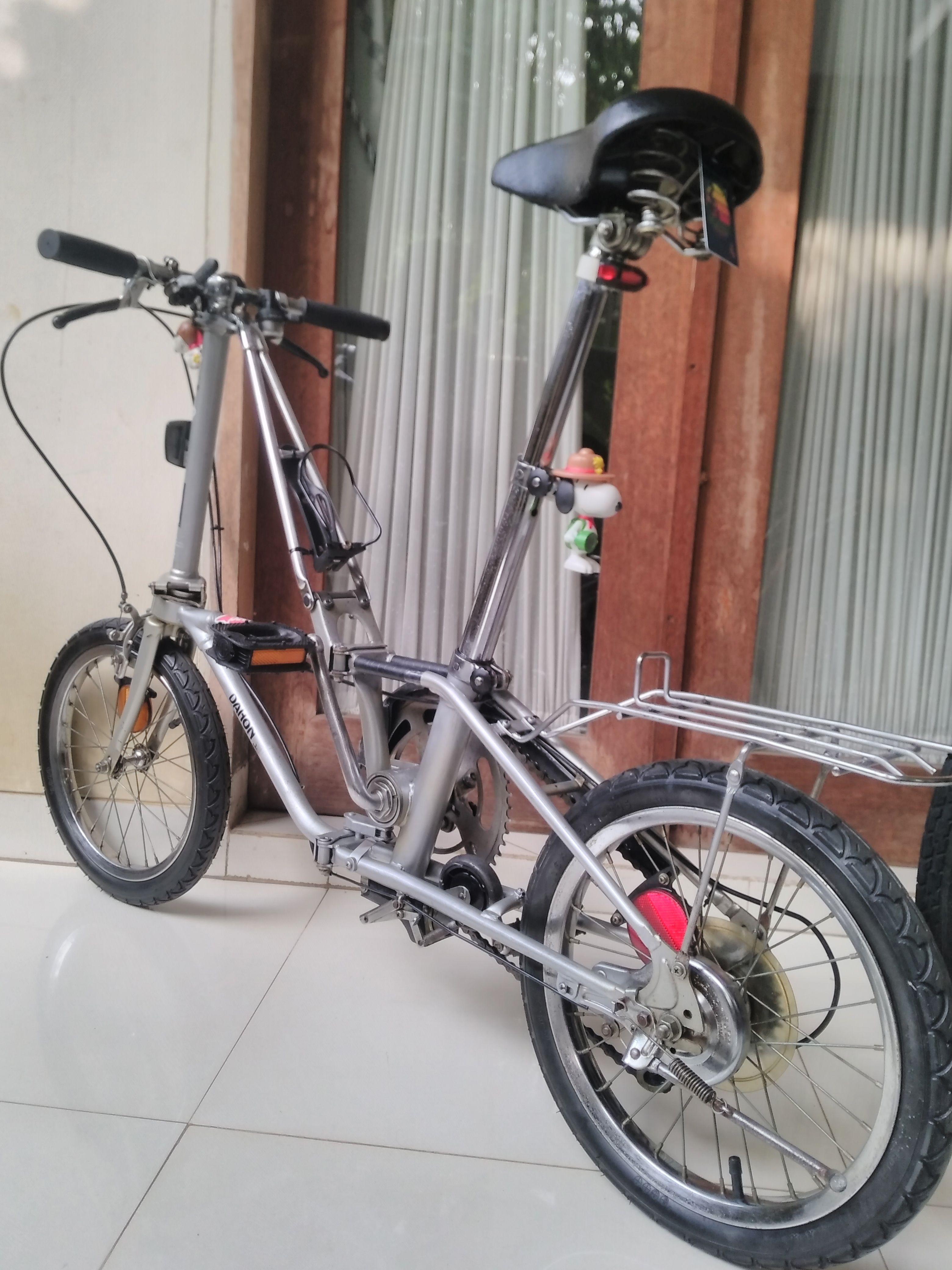 Dahon V Sepeda
