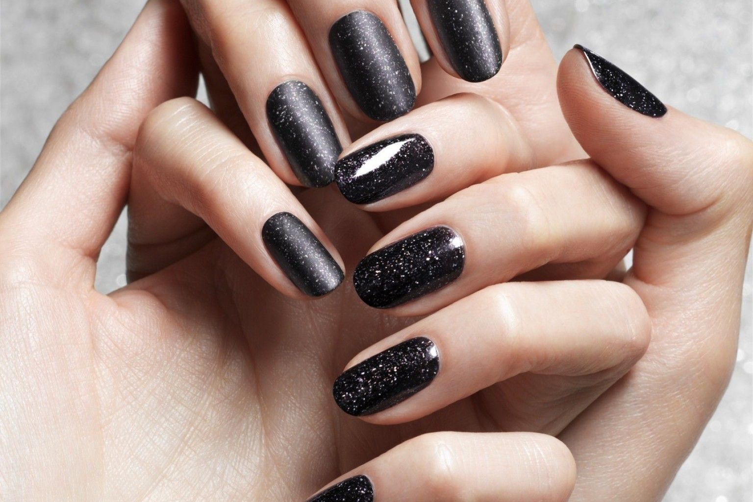 Obsidian Nail Polish Is The New Black (PHOTOS) | Nail polish colors ...