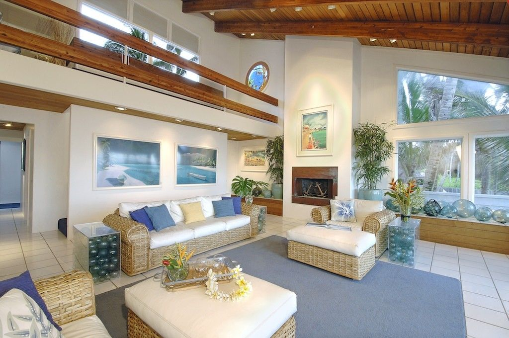 Large Hawaiian Themed Living Room