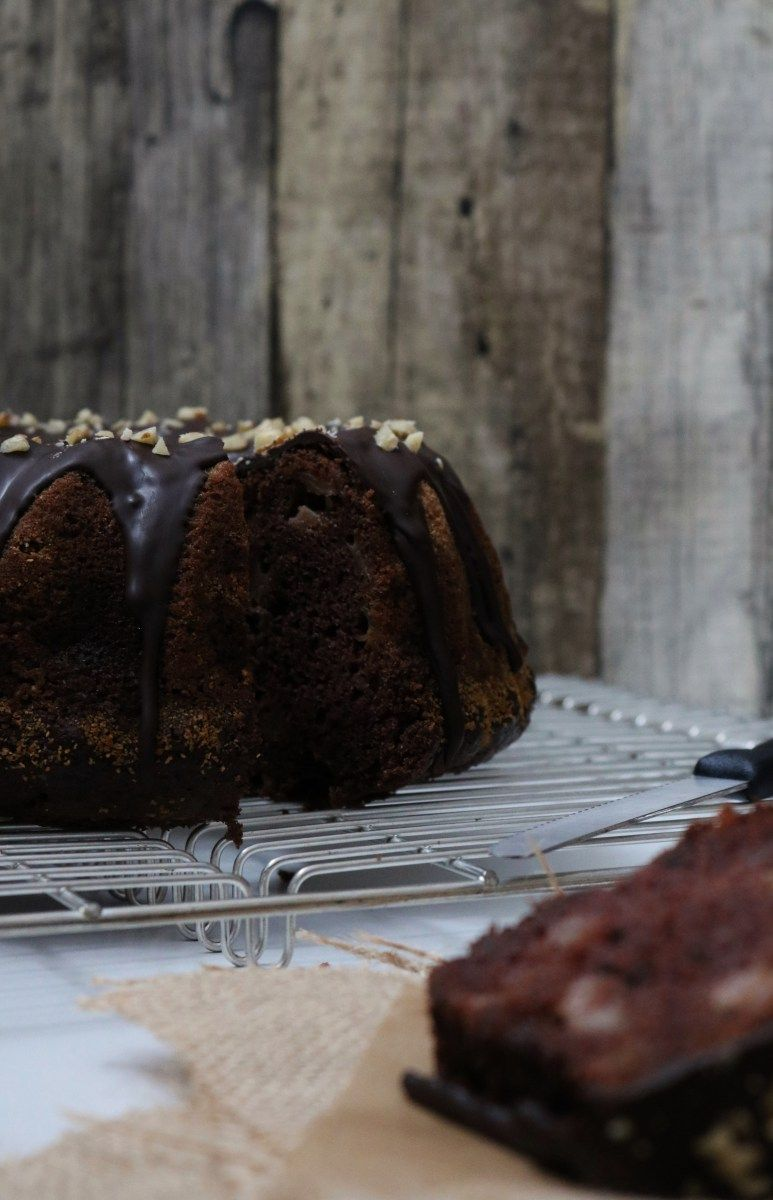 Chocolate, Walnut and Pear Bundt Cake (VEGAN) Receita