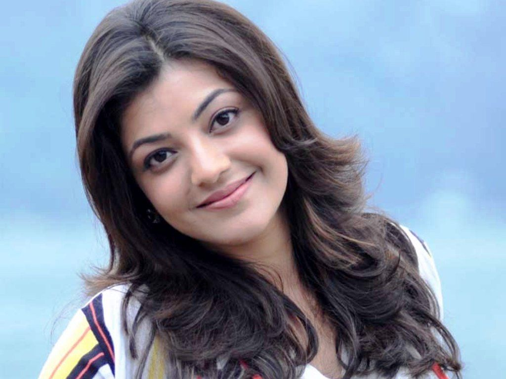 Is Kajal In For Duvvada B Wallpaper Hd Wallpaper Wallpaper