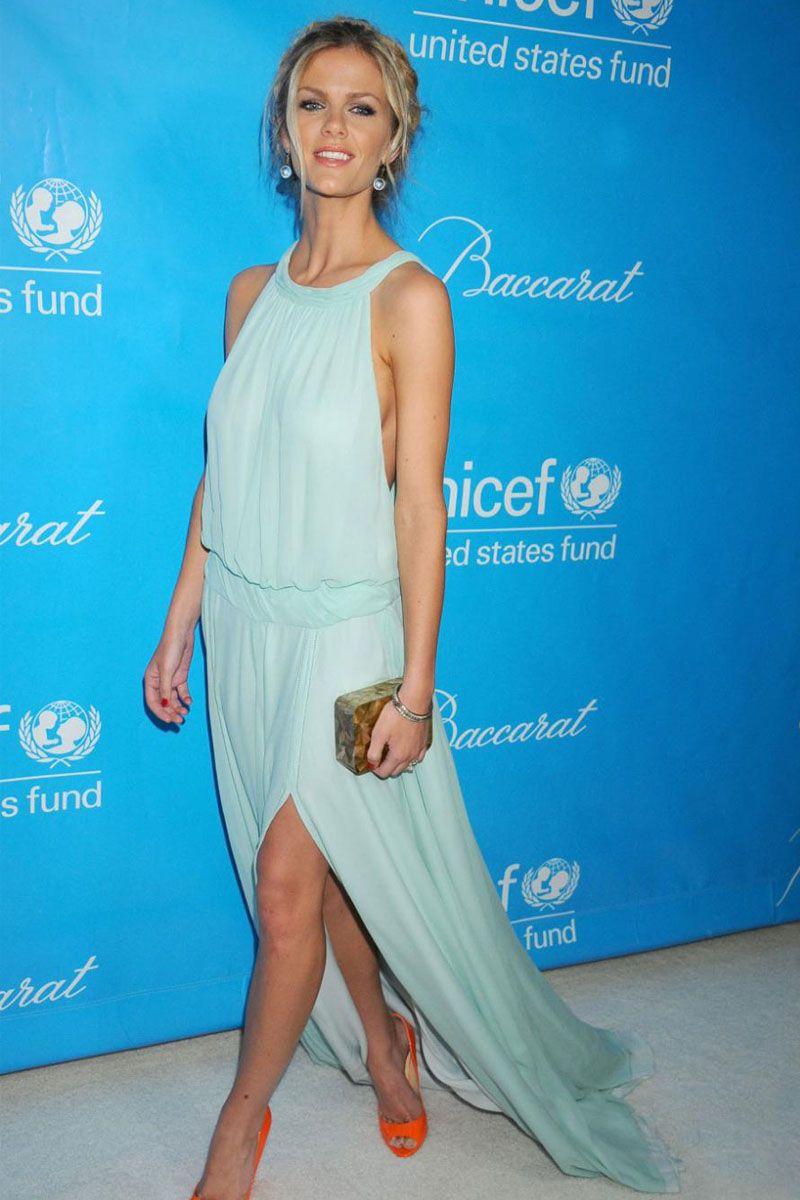 Brooklyn Decker Blue Chiffon Slit Celebrity Party Dress UNICEF Ball ...