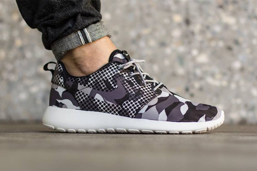 nike roshe one print dark grey\/black\/cool grey\/white painted