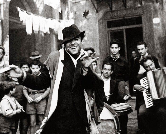 Dancing man, Palermo, Sicily, byRichard Avedon(1947). I LOVE This shot!
