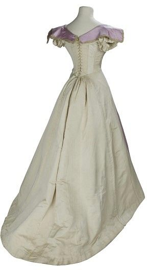 Evening Dress 1895 1899 London The V Museum Historical Dresses Victorian Fashion Edwardian Fashion