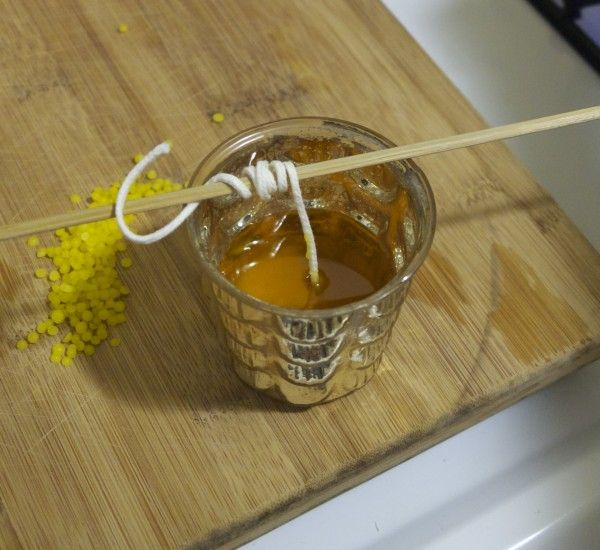 A super simple and quick tutorial for making your own beeswax candles.