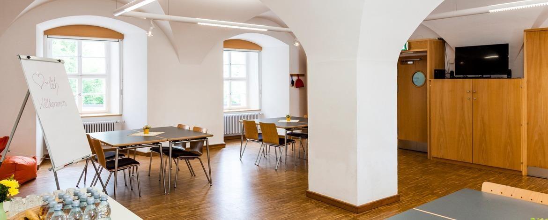 Heller Tagungsraum (mit Bildern) Herberge, Passau