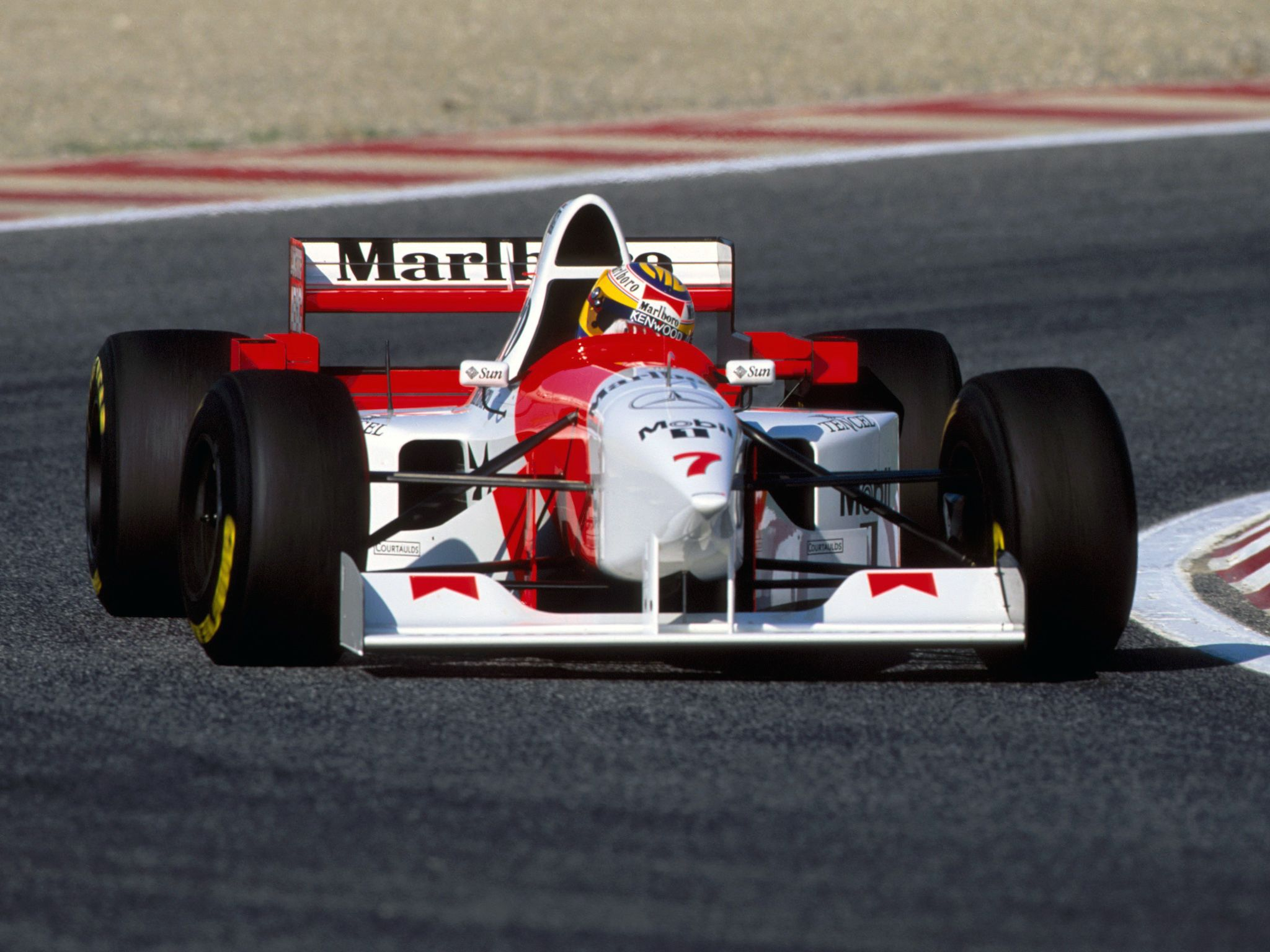 1995 mclaren mp410 mercedes mark blundell