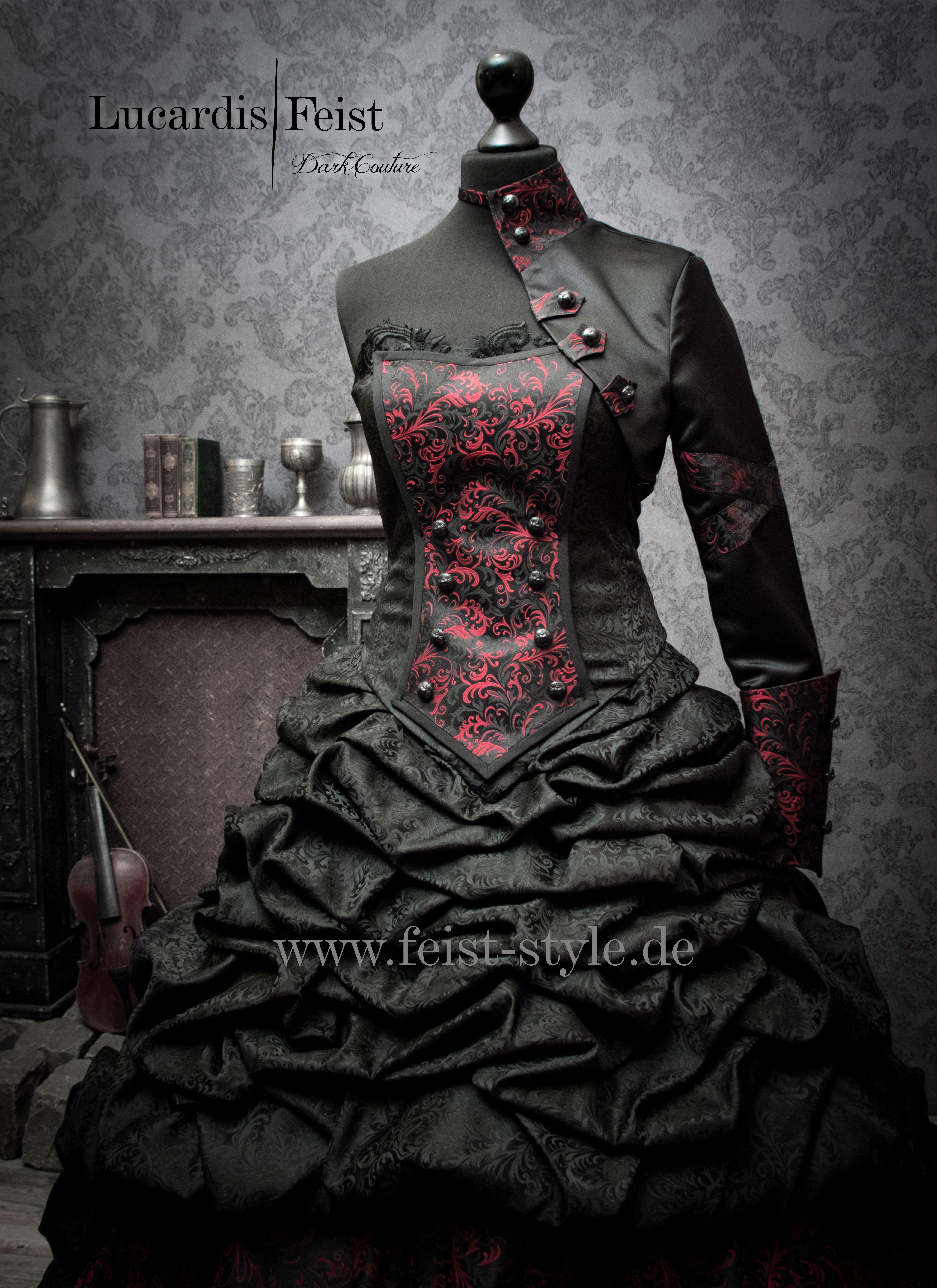 Dark Vintage Wedding: Lucardis Feist Bridal Gown  Brautkleid