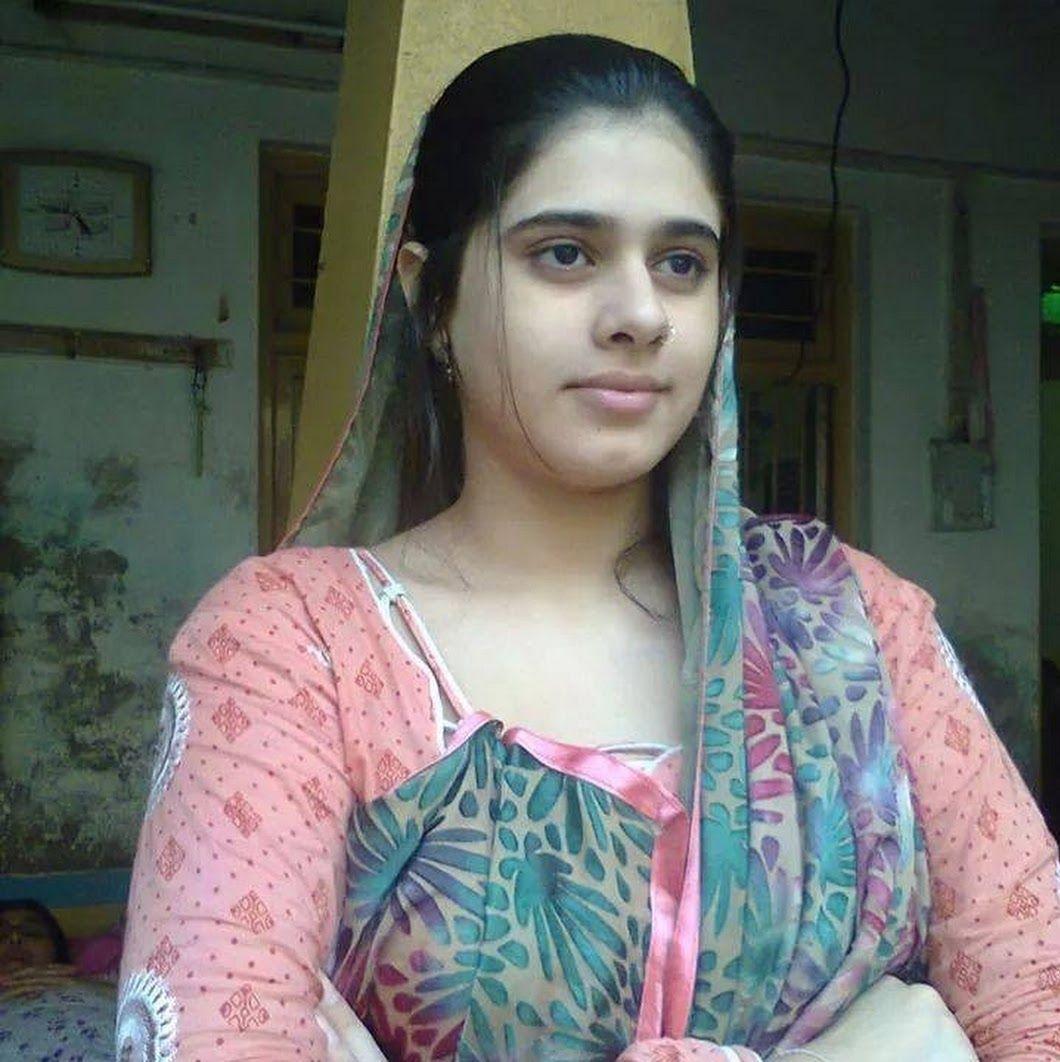 Pakistani simple girl Introducing Simple