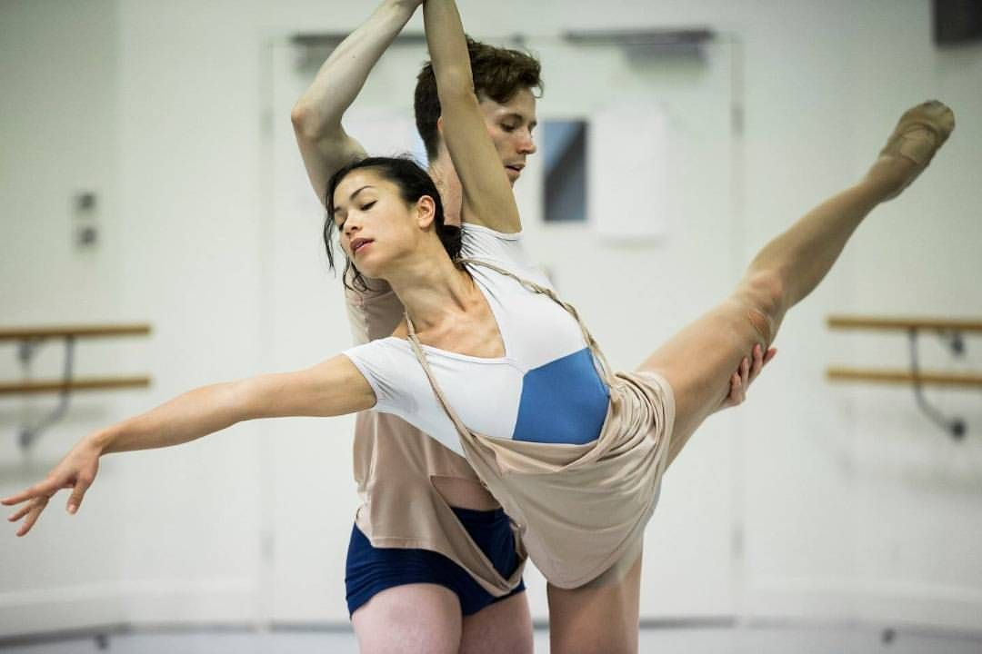 Alice Topp's Trace will be charging on stage after 20:21 this Friday in Sydney. This Bodytorque Up Late feature will be complimentary to all ticket holders of 20:21 on the night. @vivlilingwong and Calvin Hannaford rehearsing this langourous pas de deux  @klongersklongers