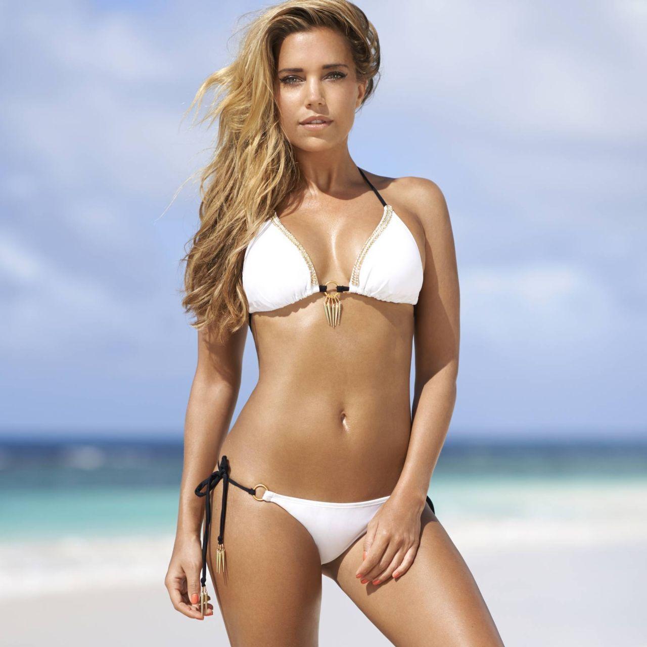 Ladyboys free bonde named giselle in bikini fuck