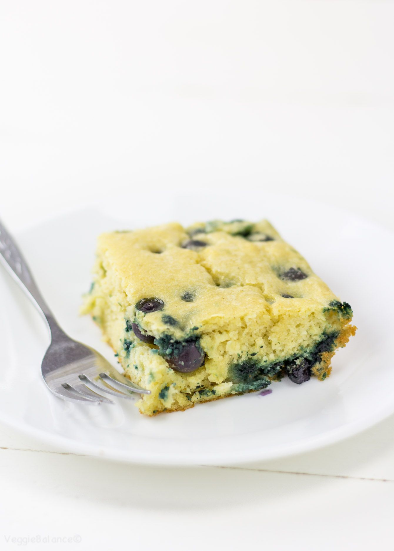 Blueberry Pancake Casserole recipe for those entertaining a crowd. Best brunch recipe ever. Whisk together in a bowl, pour into a 9x13 pan and bake! It is that easy, not to mention a much healthier option! (Gluten Free, Dairy Free, Low Sugar ) #pancakecasserole