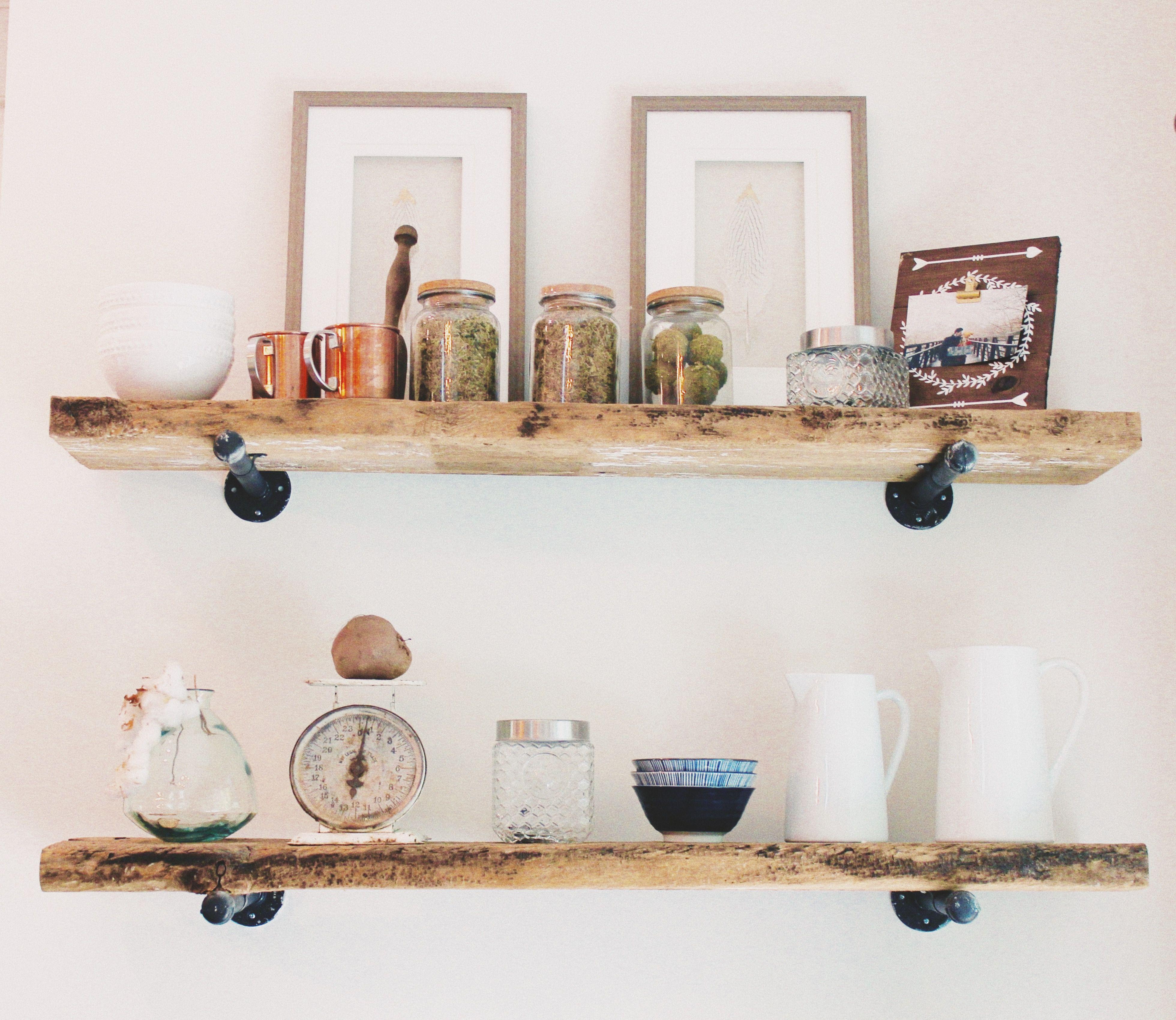 DIY BARNWOOD SHELVES These shelves are easy