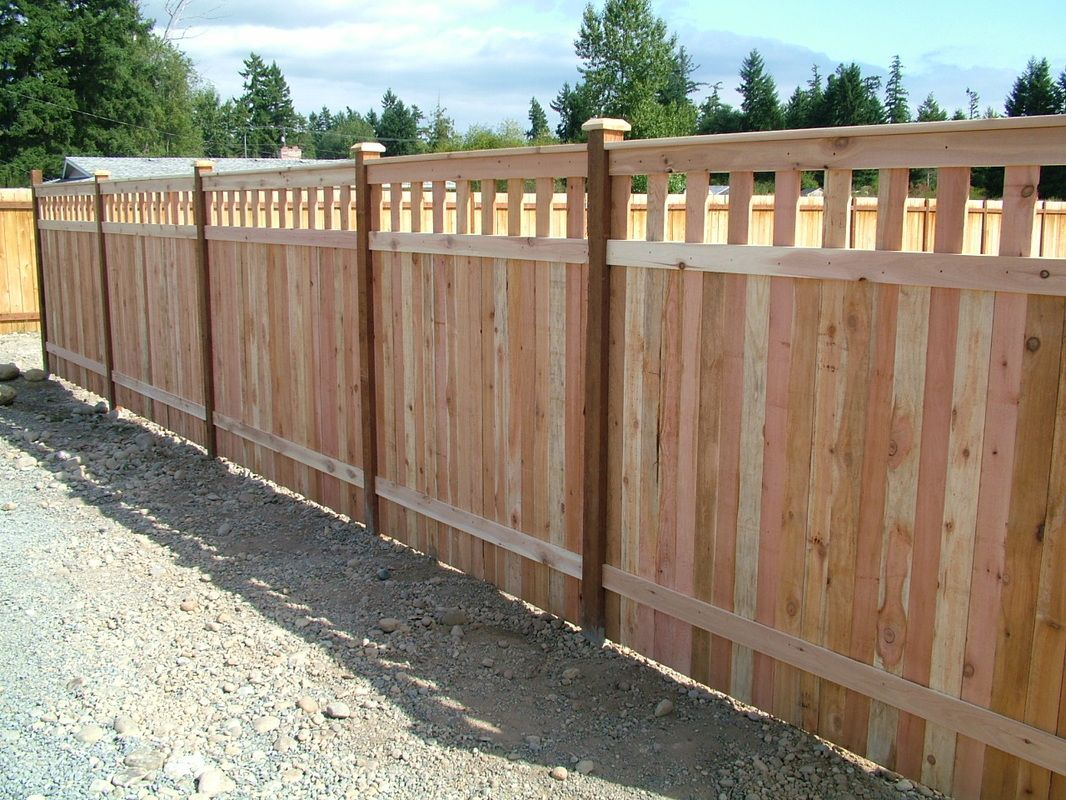Inexpensive alternative design for craftsman style privacy for Wood privacy fence ideas
