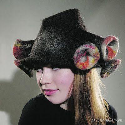 Юлия Росси: Войлочные шляпы