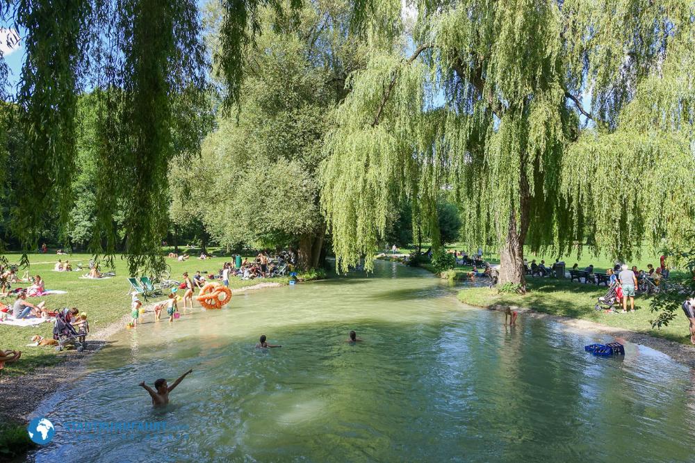 Englischer Garten Der Grune Volksgarten In Munchen Stadtrundfahrt Com Das Magazin Englischer Garten Englischer Garten Munich Garten Munchen