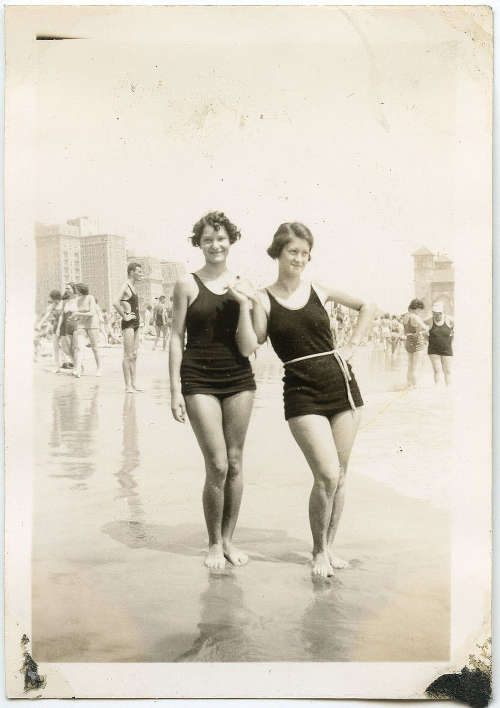 Bathing suits | The 1920s By Kamika Camilien | Pinterest | Costumi ...