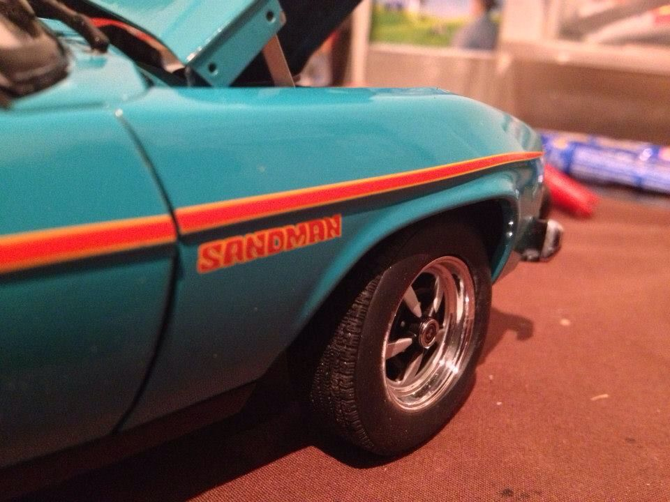 Holden sandman custom wrecked with patina smashed n crashed ute 1/18 diecast