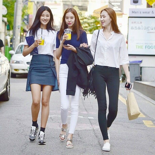 STREET STYLE  Model 전민옥,김수빈,김은선  #street #streetstyle #streetfashion #style #stylish #fashion #fashionable #women #beauty #nofilter #model #instafashion #ootd #outfit #moda #streetwear #dailylook #daily #일상 #스트릿패션 #데일리룩 #데일리 #like4like #ensorcelant