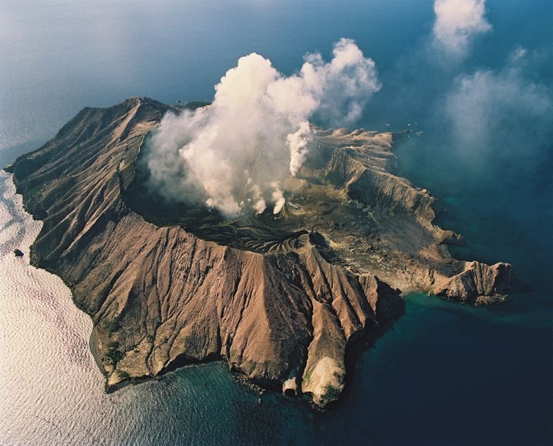Volcanic activity at New Zealand's White Island has increased in the last 3 weeks and is of 'significant concern' according to vulcanologist Brad Scott. January 22, 2013.