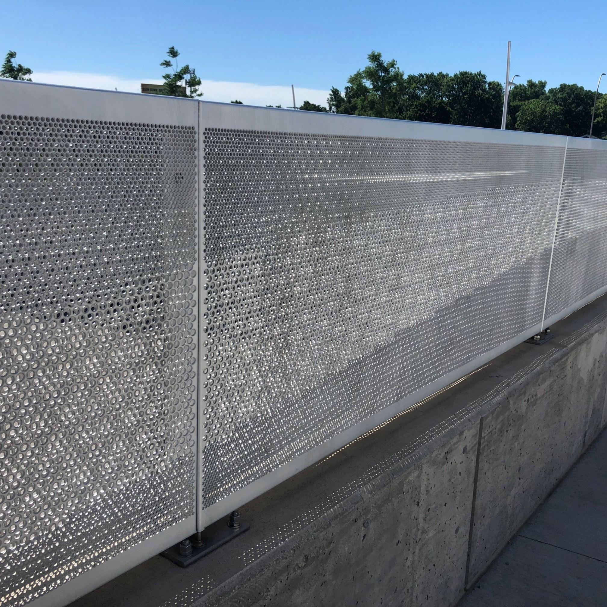 Altezza Dei Parapetti pin on perforated metal panels