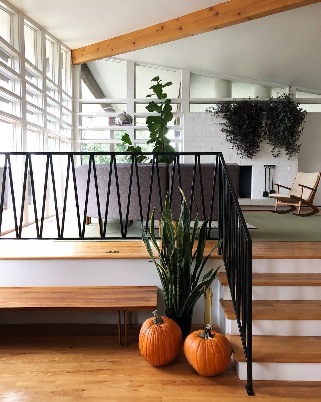 Mid Century Modern House With Metal Railing Mid Century | Mid Century Modern Stair Railing