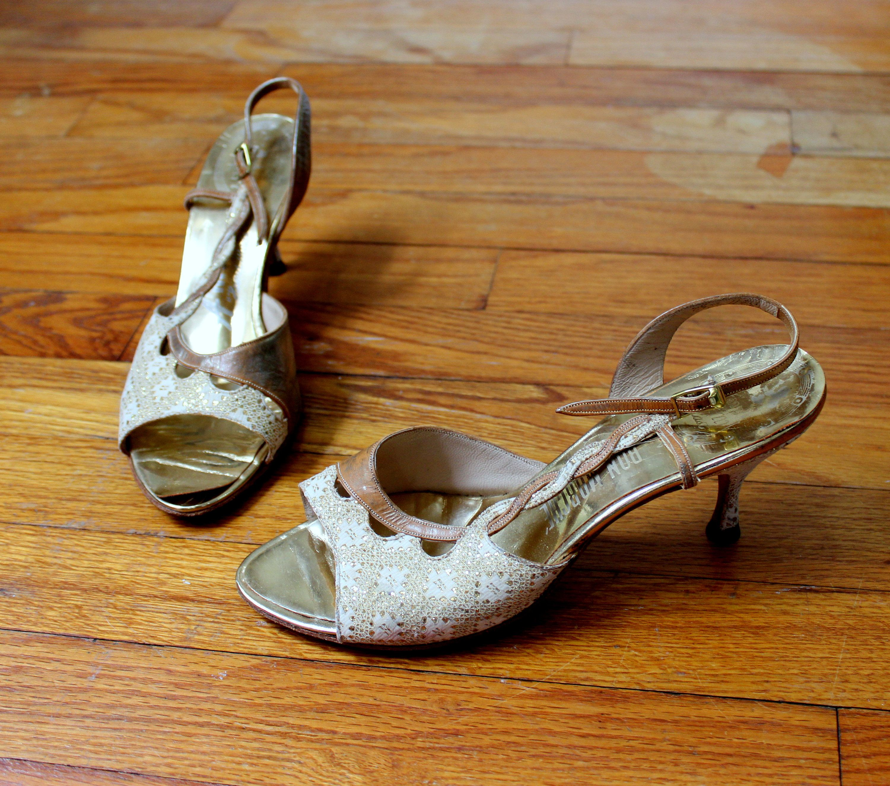 5709434a32934 Vintage 1950's Peep Toe Heels //Marilyn Shoes Amano Gold & Ivory ...