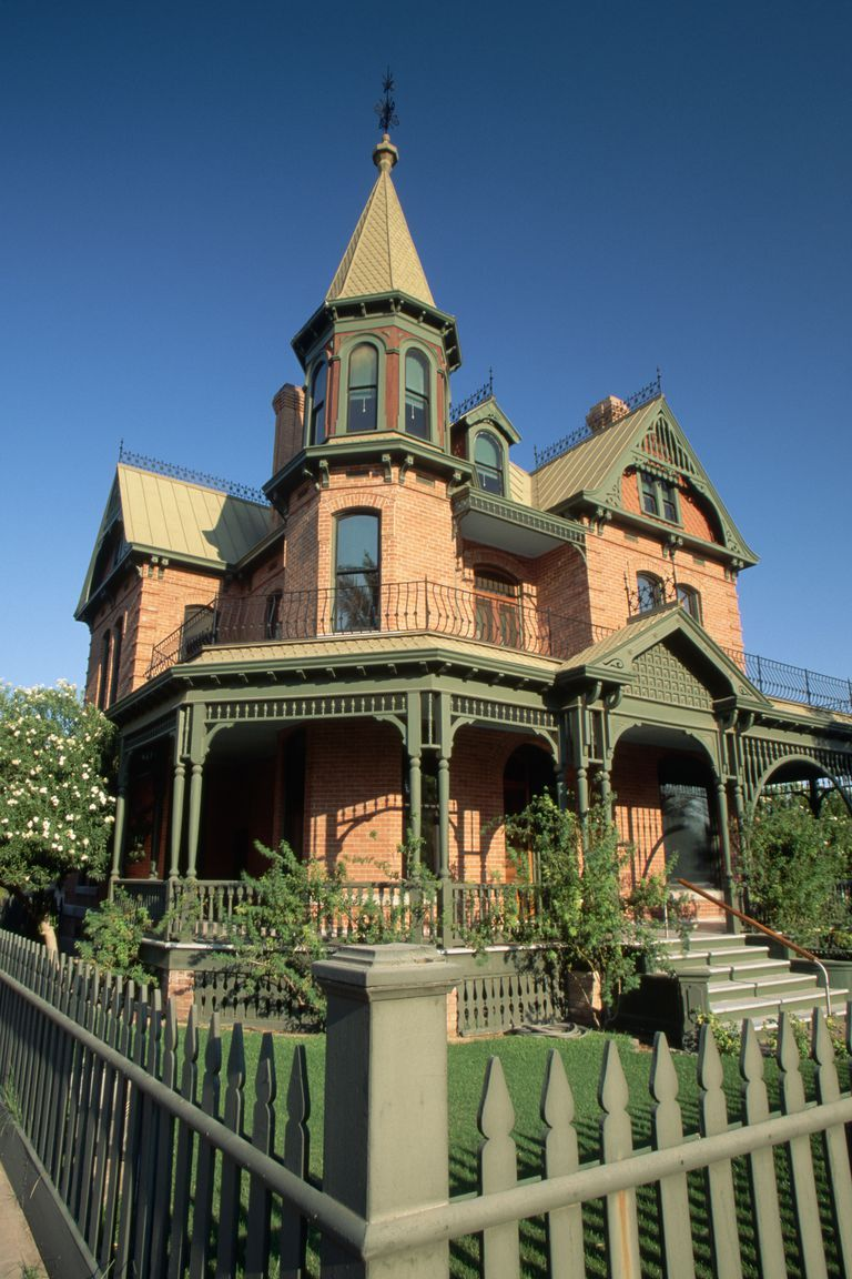 We Found the Most Haunted Home Near You (So You Can Move