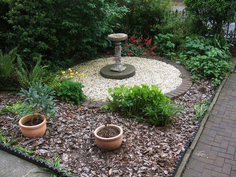 Garden using 20mm Flint and Bark.jpg 800×600 pixels | My Garden ...
