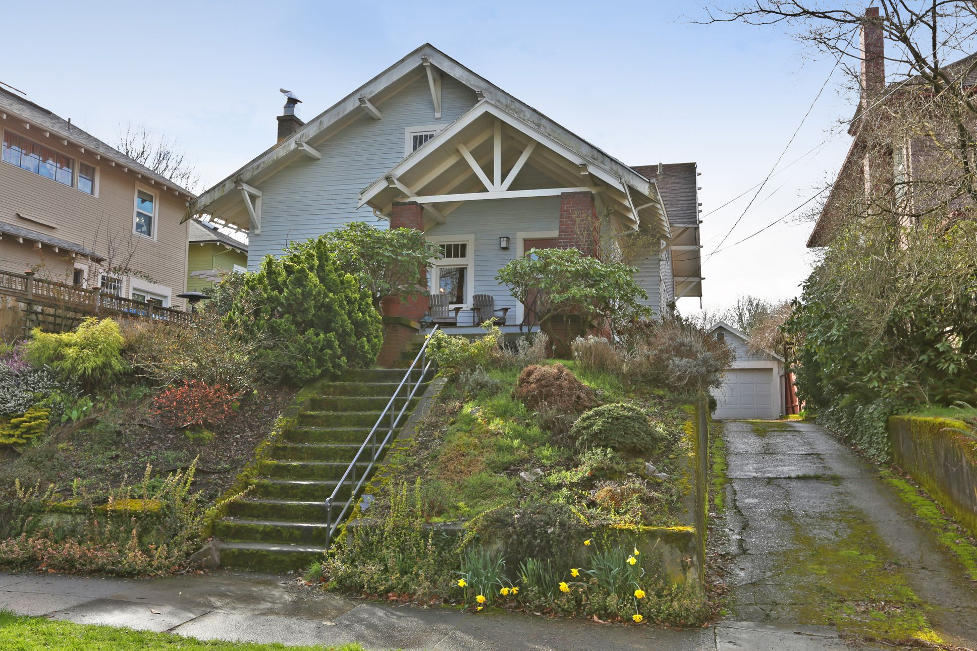 Laurelhurst craftsman filled with amazing natural for Portland craftsman homes