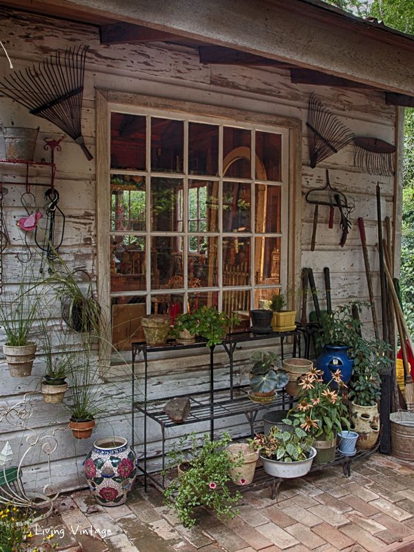 High Quality Jennyu0027s Adorable, Decorated Garden Shed | Living Vintage
