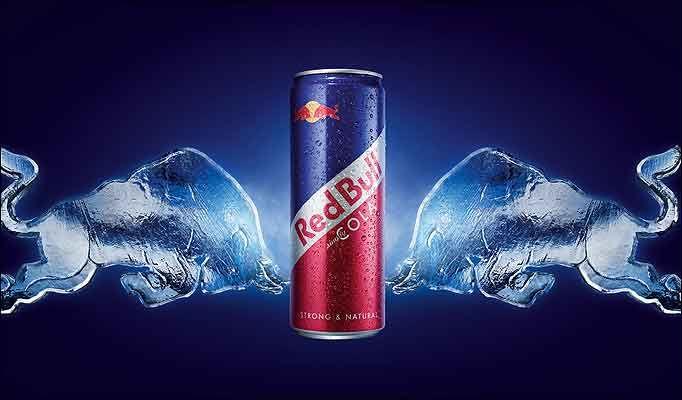 Canette de Red Bull au Cola