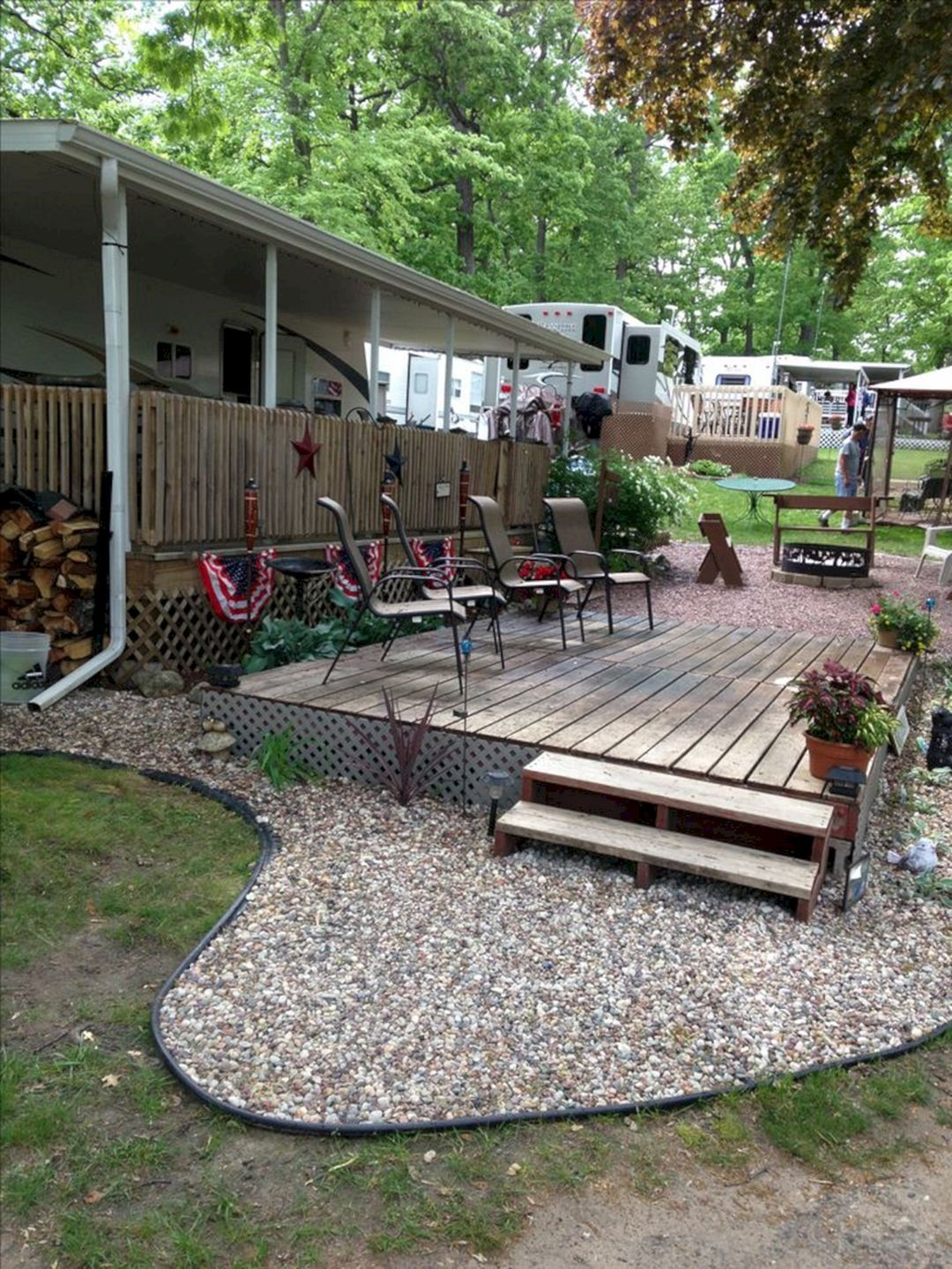 25 Wonderful Rv Camping Design Ideas For Summer Vacation Idees Camping Amenagement Paysager Mobilhome