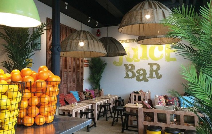 The Most Beautiful Interior Designs Of Fruit Juice Shop The Architecture Designs Juice Bar Interior Juice Bar Design Juice Bar