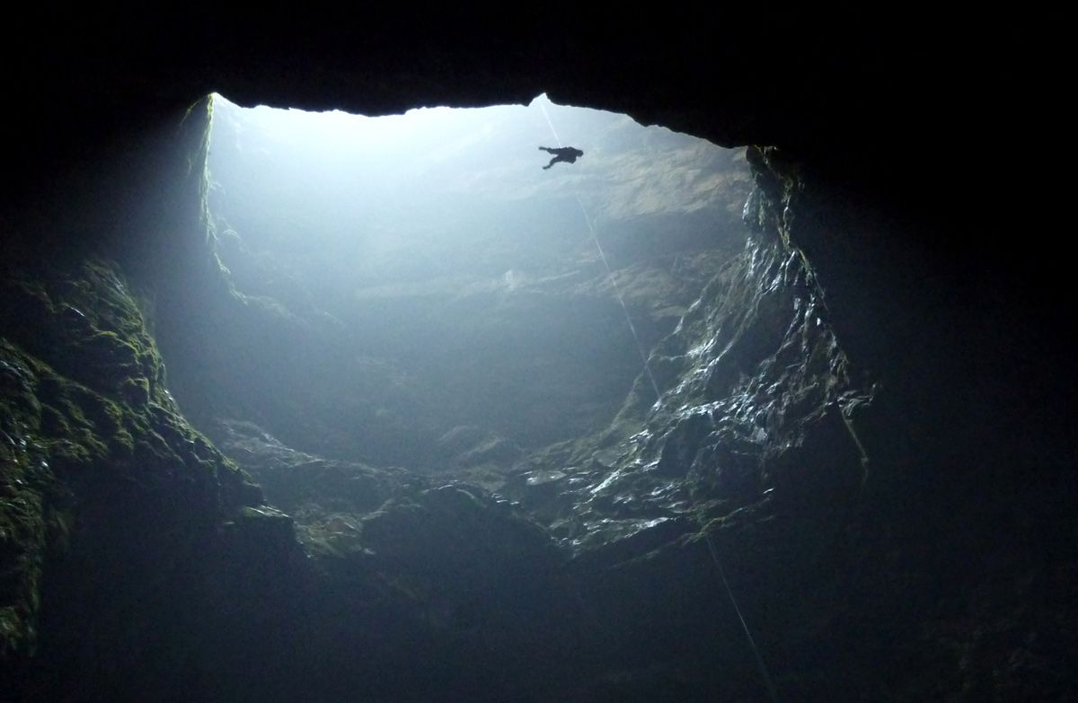 10 Facts About The Largest And Deepest Holes In The World