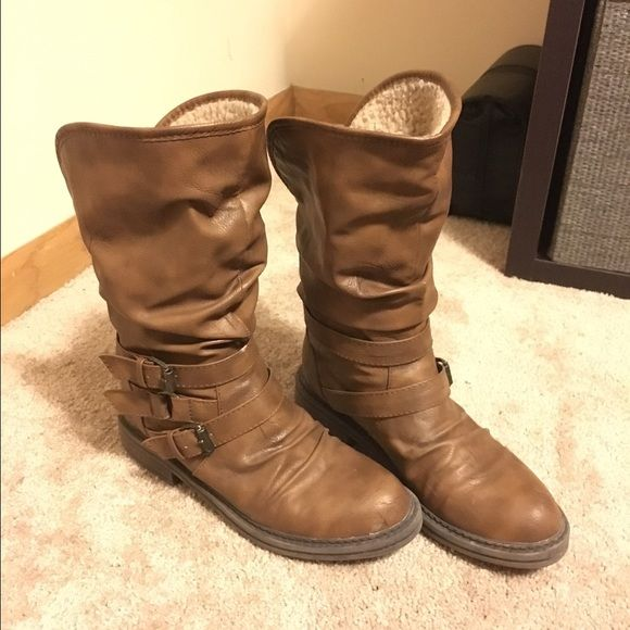 Blowfish size 7 boots. Lightly worn, Sherpa fleece lined. Zippers up the back Blowfish Shoes Combat & Moto Boots