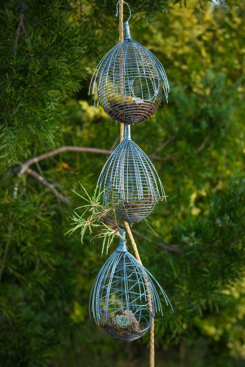 Vogelnestje gemaakt van ijzer leuk voor in de tuin met daarin een mezenbol of voor binnen gevuld met mos en daar bovenop een cactus. Nu voor slechts € 14,95 per stuk ! Kijk voor andere Lunadesigns producten op www.lunadesigns.shop !!