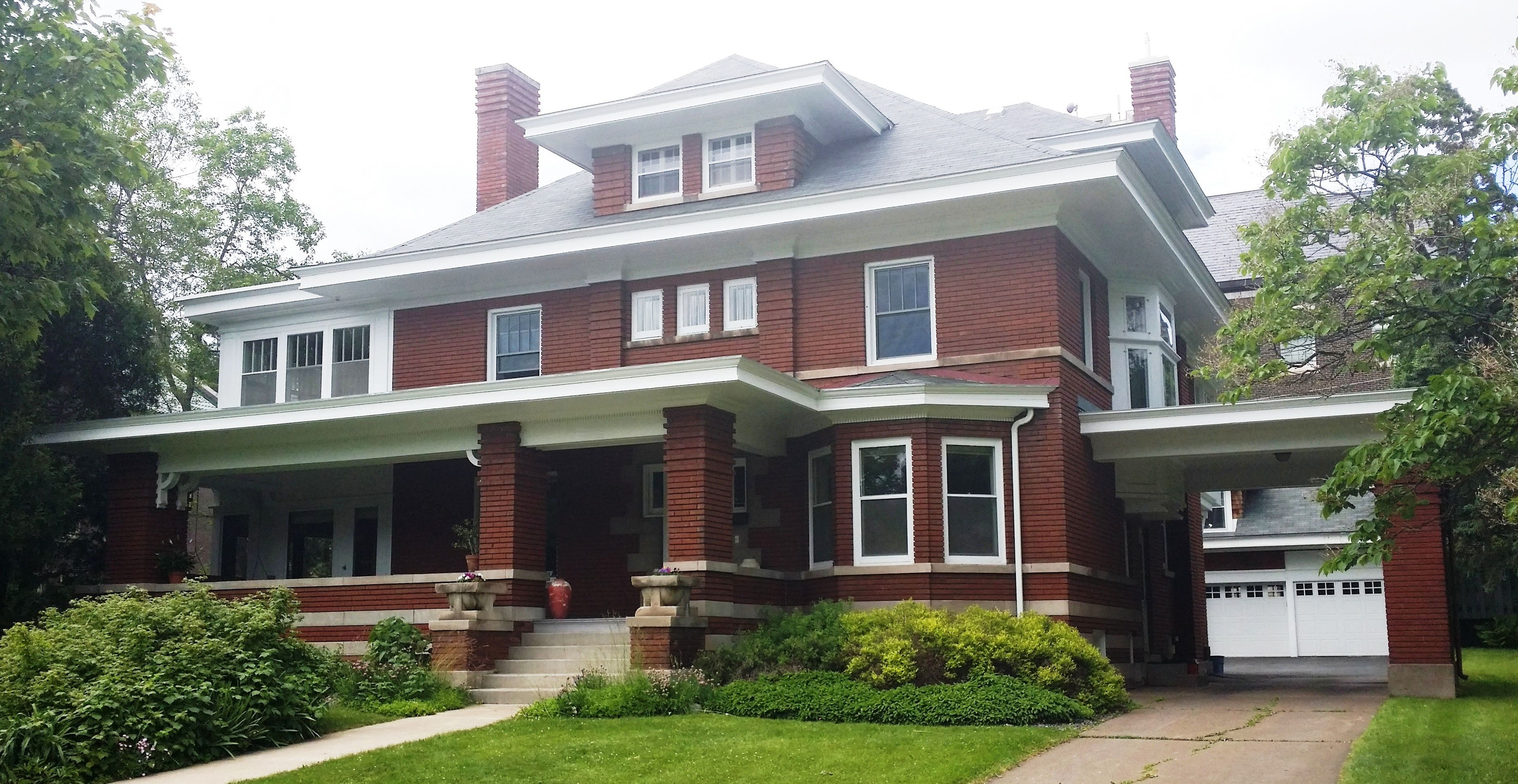 Home In Duluth Mn It Is Currently A Private Residence House Styles Prairie Style Houses Craftsman Style Homes