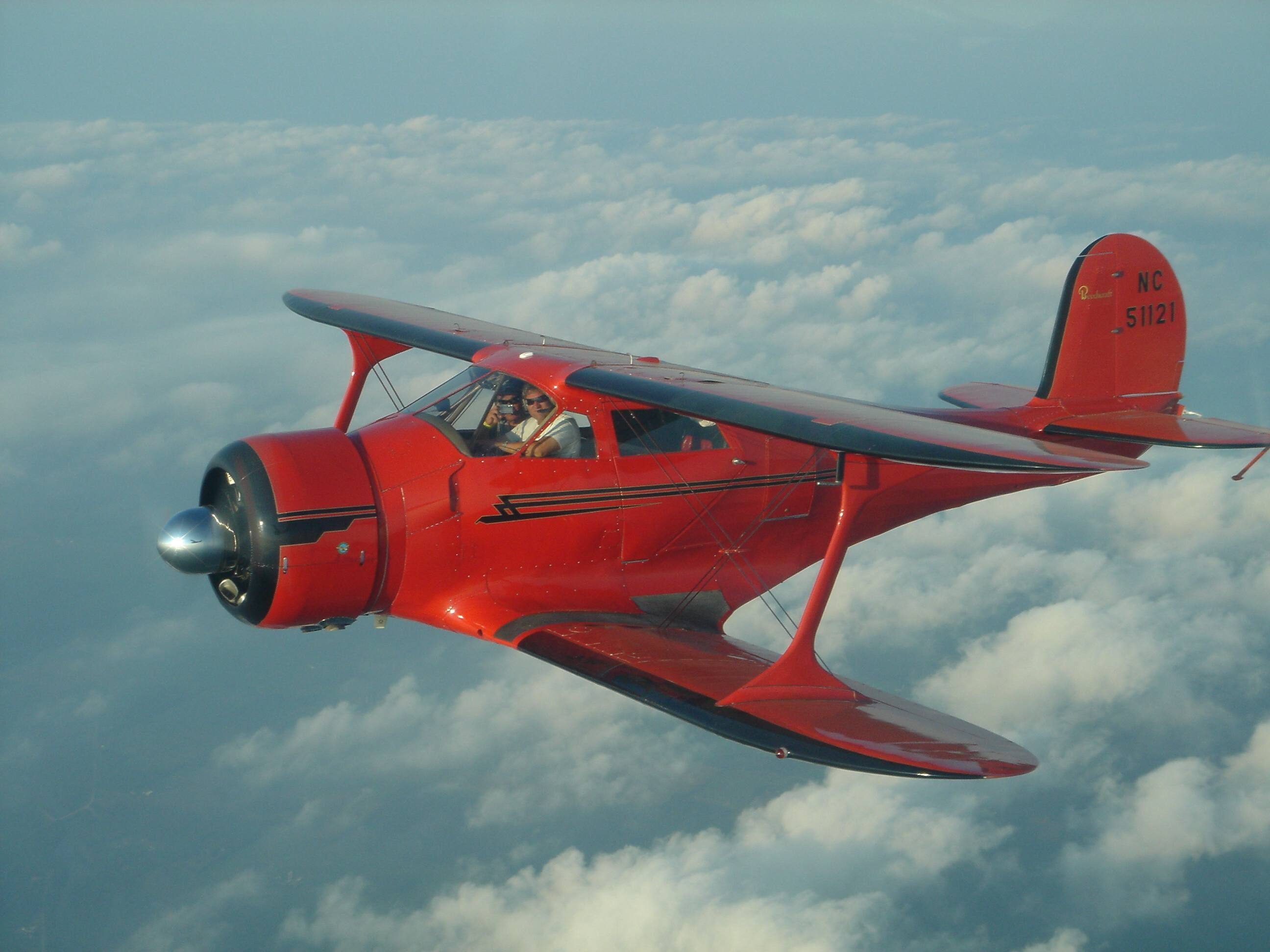 Beech staggerwing photo 4416 1943 beechcraft d17s for Airplane plan