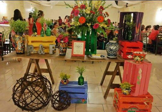 Mesa principal despedida de soltera con decoraci n for Casa mexicana muebles