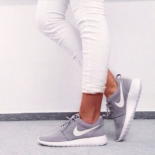 10 pares de zapatos que toda fashionista debe tener. Women Nike ShoesRunning  ...